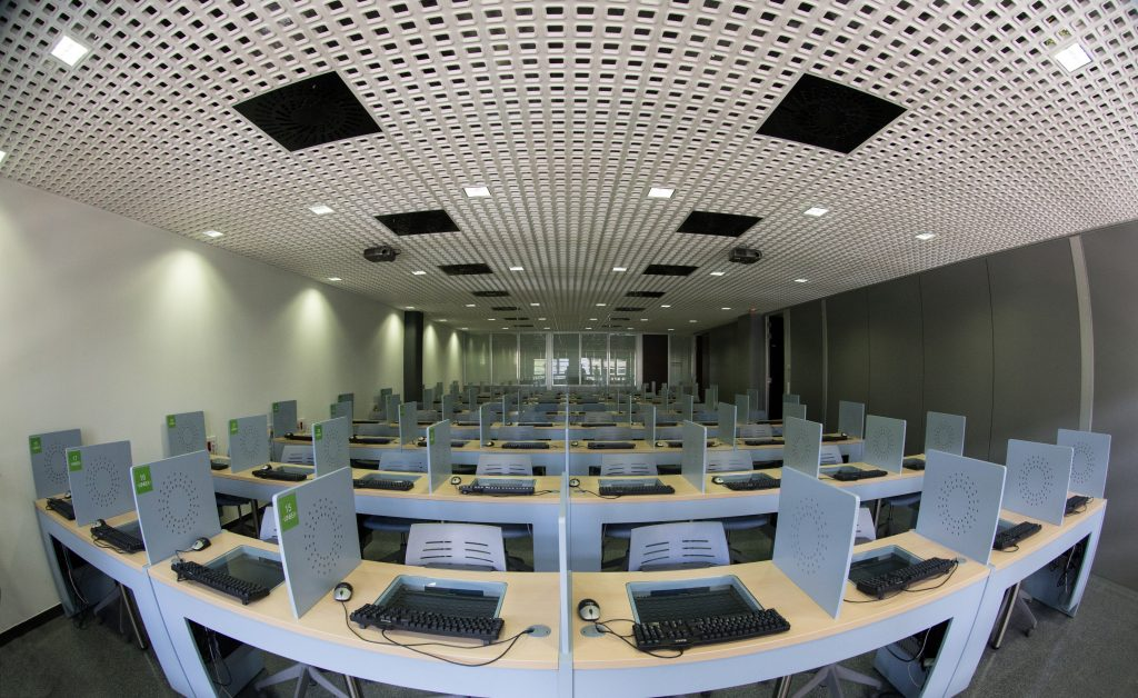 LINEEX - Laboratory for Research in Behavioural Experimental Economics - University of Valencia